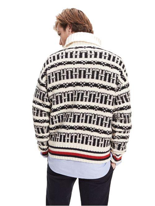 Sweater-oversize-con-greca-alpina-y-cuello-vuelto-Tommy-Hilfiger
