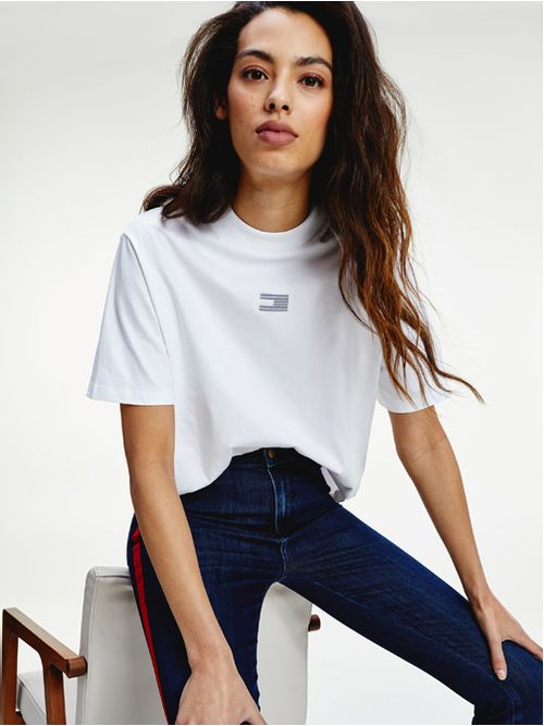REMERA-TOMMY-ICONS-CON-LOGO