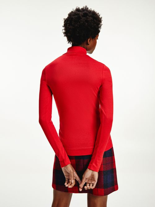 Camiseta-de-corte-skinny-con-cuello-vuelto